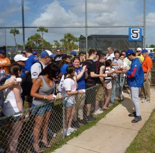 Mike Piazza firma autografi a Port St Lucie