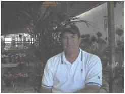 Craig Minetto nella sua azienda