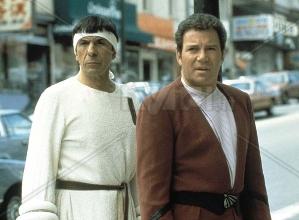 Leonard Nimoy (Mr Spock) e William Shatner (Capitano Kirk) in 'Rotta verso la Terra'