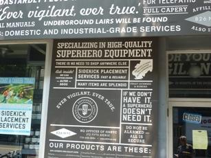 Il negozio di Brooklyn specializzato in attrezzatura per supereroi