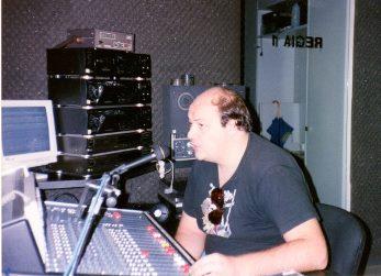 Al microfono di Onda Emilia negli anni '90