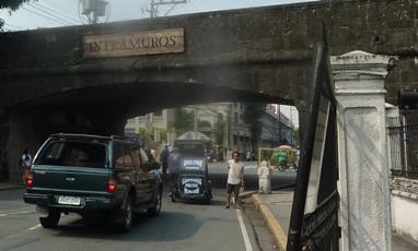 Uno degli accessi a Intramuros a Manila