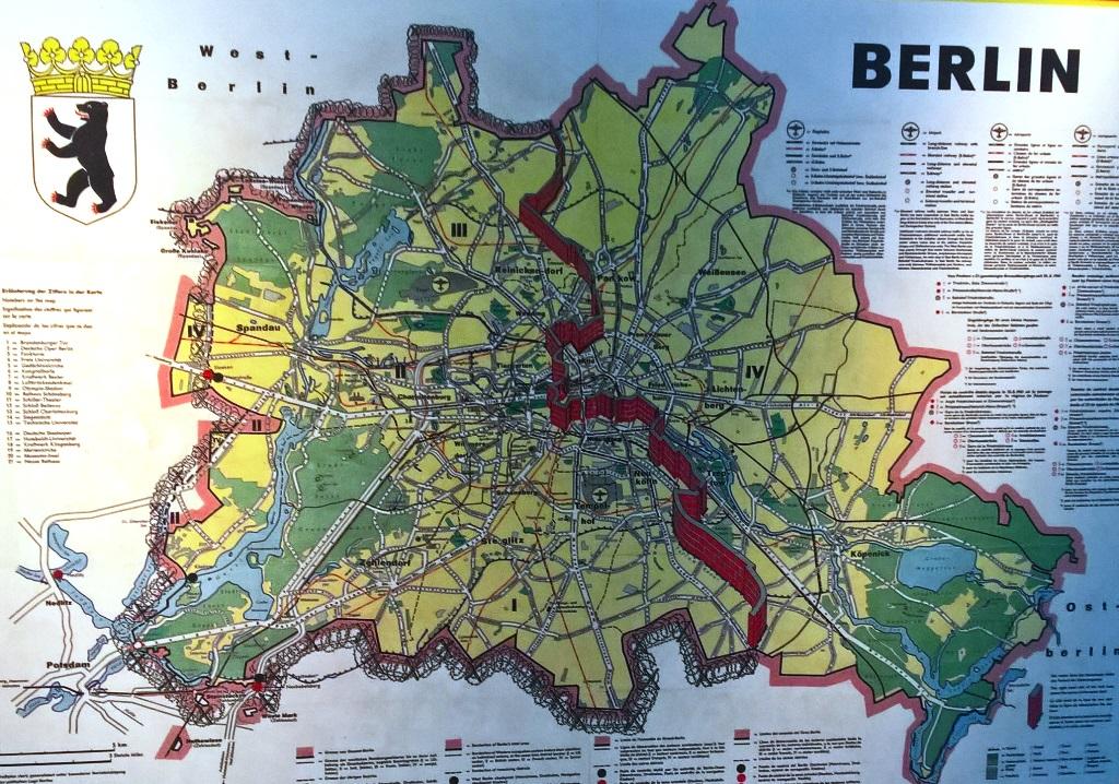 Berlino divisa da muro